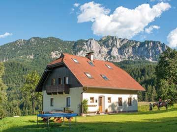 die Hütte Nassfeld im Sommer