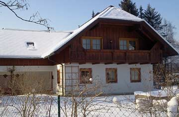 Gepflegtes Ferienhaus am Wolfgangsee mit 2 Ferienwohnungen nur 100 m von der Langlaufloipe, auch ab 2 Personen buchbar