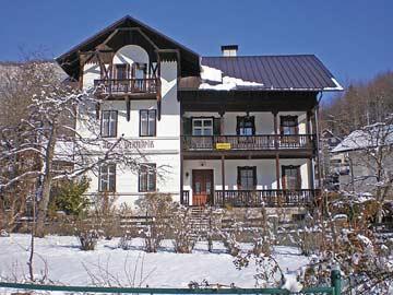 450 qm Ferienhaus in Bad Goisern am Hallstättersee mit 9 Schlafzimmern, größtenteils mit DU/WC