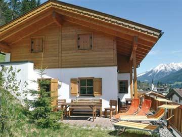 Chalet Wald Königsleiten mit 5 Schlafzimmern im Sommer
