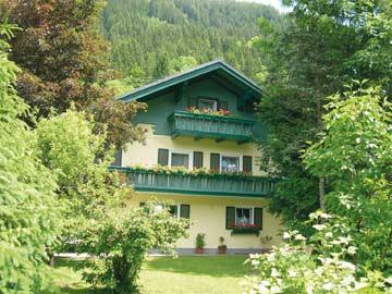 Ferienhaus Radstadt mit Sauna und 8 Schlafzimmern im Sommer