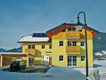 Ferienhaus Altenmarkt - Skiurlaub in der Salzburger Sportwelt. Bei der Unterkunft ÖSSL/I/81 handelt es sich um die rechte Haushälfte.
