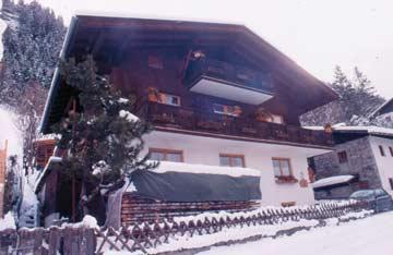 Ferienwohnung Gastein - das Haus in der idyllischen Winterlandschaft