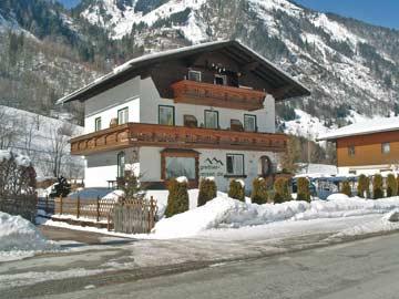 Ferienhaus Fusch bei Zell am See - Hausansicht Winter