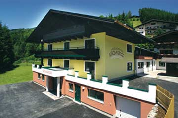 Gruppenunterkunft Saalbach-Hinterglemm für bis zu 100 Personen in 25 Schlafzimmern, alle mit DU/WC