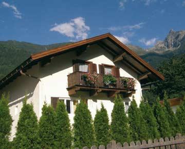 Ferienhaus Oetz im Sommer
