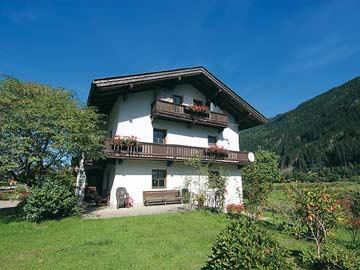 Ferienhaus Aschau Zillertal mit 5 Schlafzimmern (Sommeransicht)
