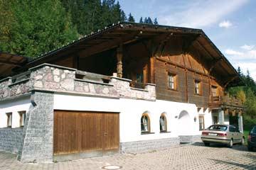 Ferienhaus Kappl Paznauntal: Hausansicht im Sommer