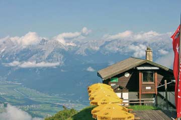 die Skihütte Axamer Lizum im Sommer