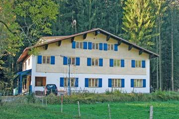 Gruppenhaus im Bregenzerwald im Sommer