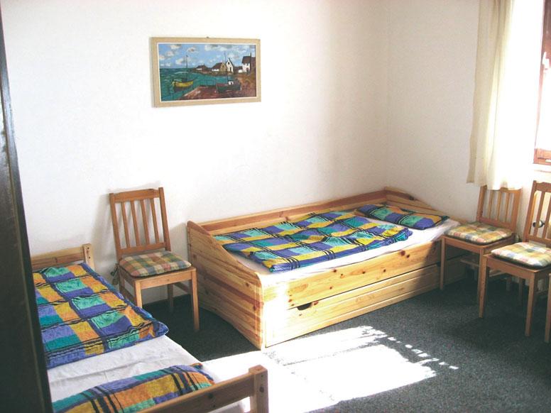ferienhaus uetze mit sch nem au engel nde. Black Bedroom Furniture Sets. Home Design Ideas