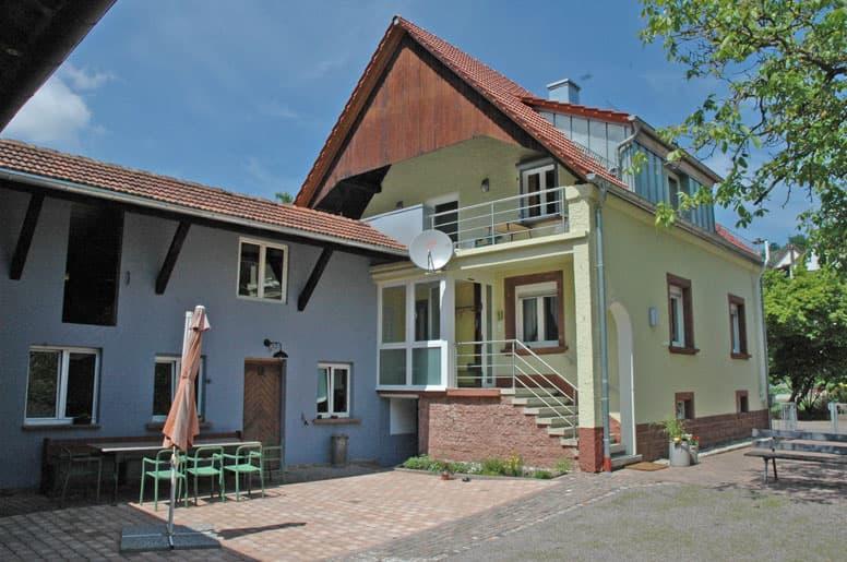 Ferienhaus im Wasgau mit 4 Schlafzimmern und großem Innenhof