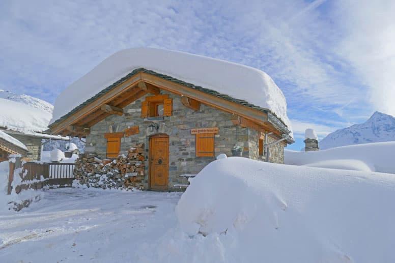 Hütte La Rosière - tief verschneit im Winter