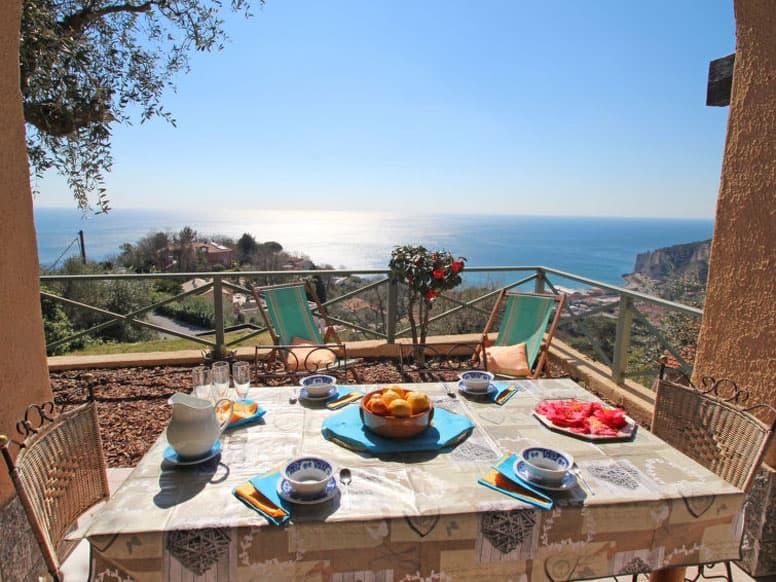 Ferienhaus Finale Ligure an der Riviera di Ponente mit herrlichem Panoramablick von der Terrasse