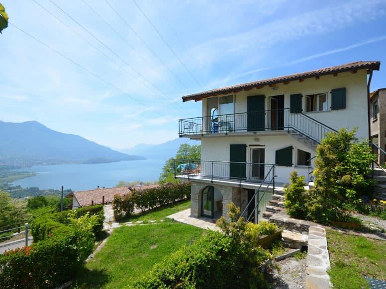 Ferienhaus mit 2 Wohneinheiten oberhalb des Comer Sees