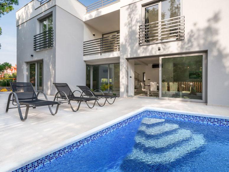 Ferienhaus Vodice mit Pool