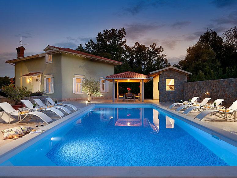 luxus ferienhaus lovran. Black Bedroom Furniture Sets. Home Design Ideas