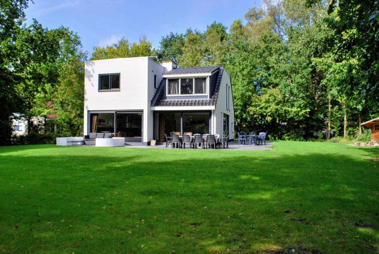 Schönes Ferienhaus mit großem Garten und Kamin an der Nordsee