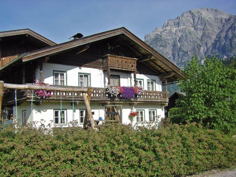 Gemütliches Ferienhaus mit 4 Schlafzimmern in Leogang