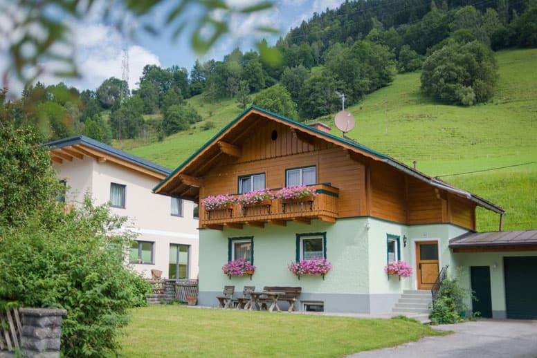 Gemütliches Ferienhaus mit 4 Schlafzimmern in Pichl-Mandling