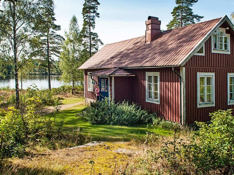 Ferienhaus Karlskrona direkt an einem Waldsee mit eigenem Seeufer