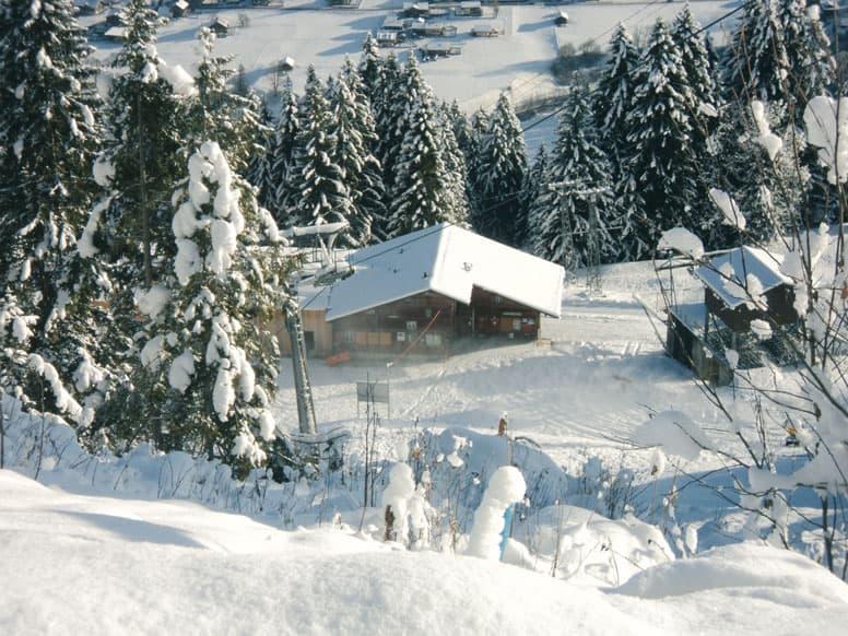 Skihütte im Skigebiet St Stephan / Gstaad Mountain Rides