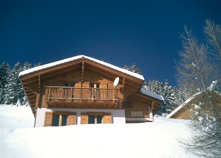 Ferienhaus Les Collons - Außenansicht im Winter