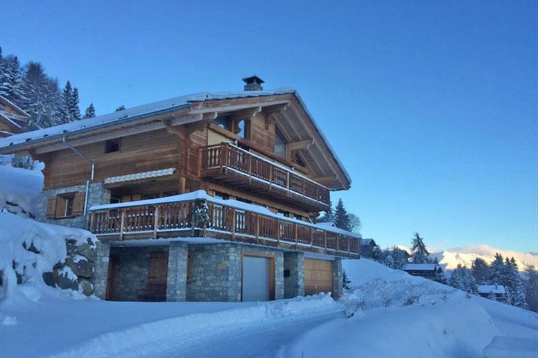 Bestens ausgestattetes Ferienhaus mit 6 Doppelzimmern in Les 4 Vallées