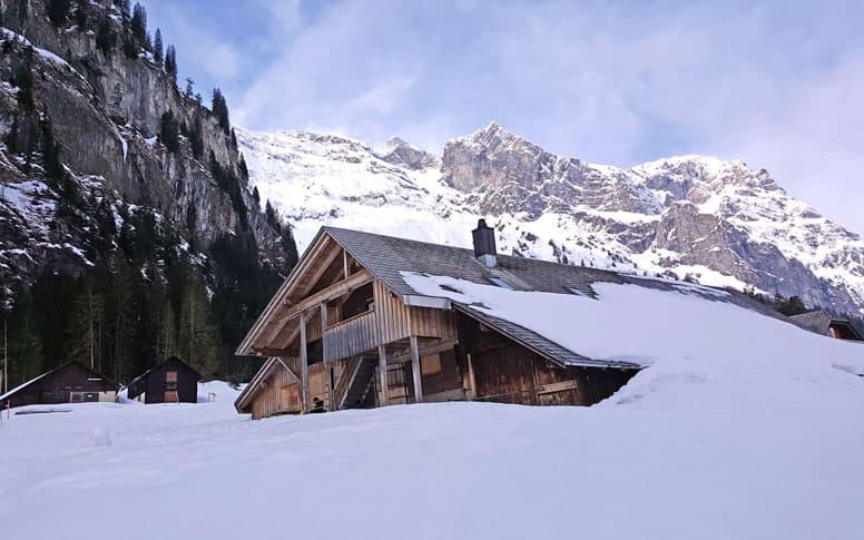 Gemütliche Skihütte auf 1300 m oberhalb von Engelberg