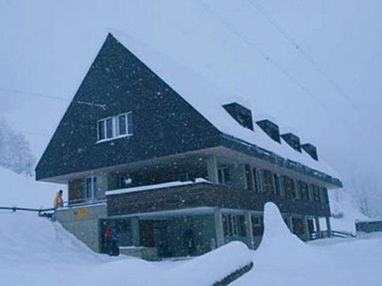 Gruppenhaus Ybrig - Winteransicht