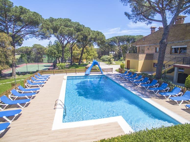 Wunderschönes Ferienhaus mit Pool und Tennisplatz bei Girona