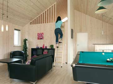 Leiter zum Dachboden mit vier Schlafmöglichkeiten