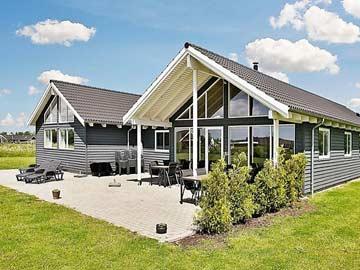 Ferienhaus mit Pool, Sauna und Whirlpool in Marielyst