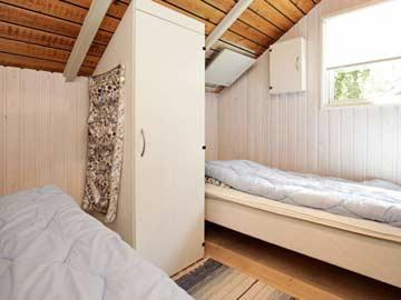 Weiteres Schlafzimmer mit Einzelbetten
