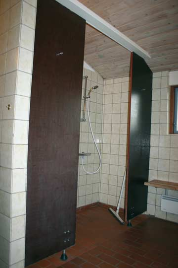 Sanitärraum mit Dusche