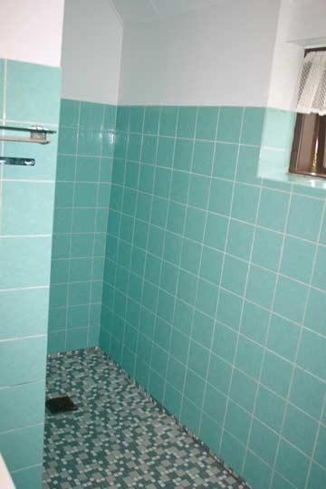 Sanitärraum in einem der 6-Bett-Zimmer