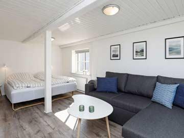 Schlafzimmer mit Sofa