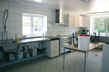 Die sehr gut ausgestattete Gruppenküche