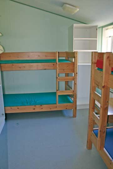 Etagenbetten in den Schlafräumen