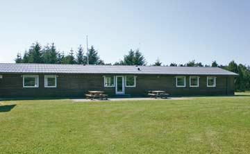 Das Gruppenhaus bei Brovst mit der Terrasse