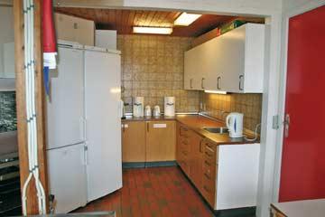 Die sehr gut ausgestattete Gruppenküche mit 2 Kühlschränken