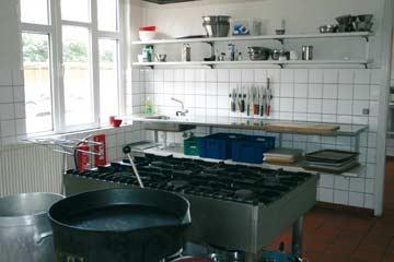 sehr gut ausgestattete Gruppenküche