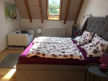 Schlafzimmer 3 mit Doppelbett und Schlafsofa