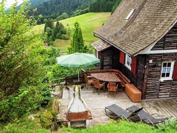 Terrasse mit Steingrill