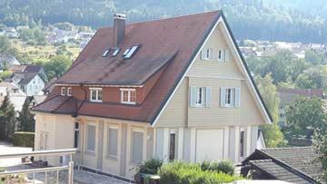 Hausansicht vom Nachbarhaus mit den 4 Ferienwohnungen