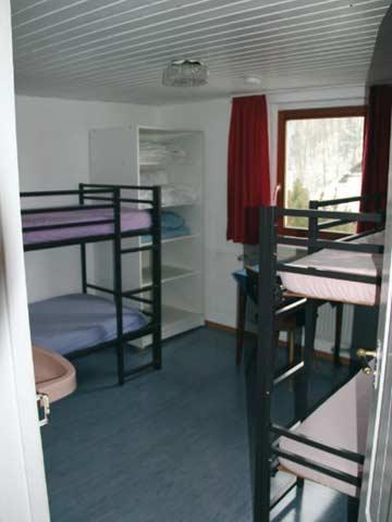 eines der vier 4-Bett-Zimmer
