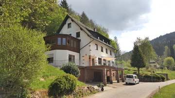 Großes Gruppenhaus mit 12 Schlafzimmern im Odenwald