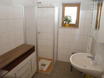 Modernes Badezimmer im EG
