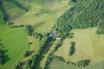 Gruppenhaus aus der Luft