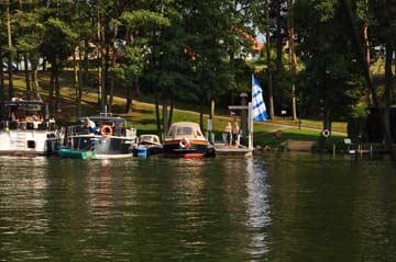 Motorboote auf Anfrage